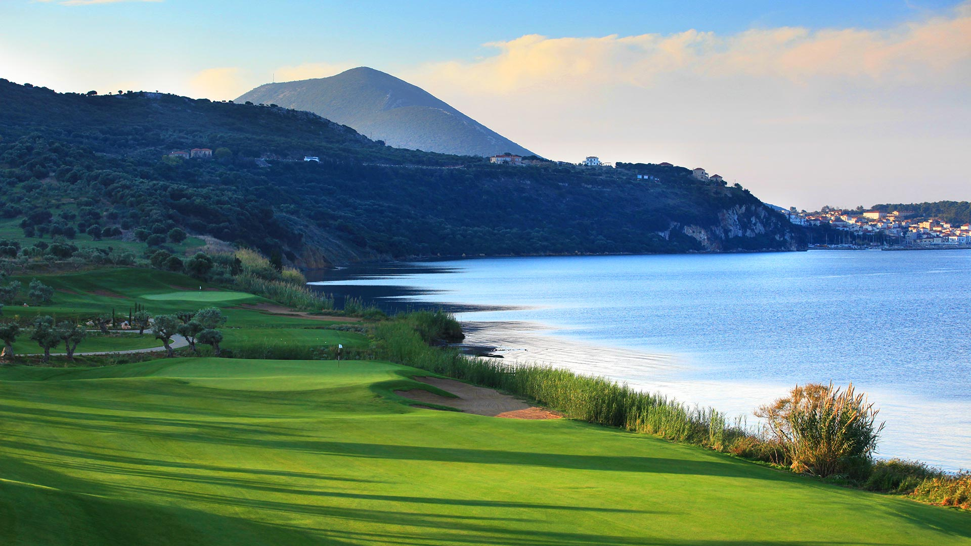 wold class golf course greece bay course costa navarino